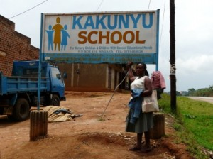 kakunyu sign 2 on road mme ritah